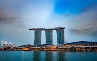 Казино Marina Bay Sands в Сингапуре закрывается как минимум до 4 мая из-за эпидемии коронавируса