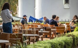 В России вырос спрос на сотрудников кафе и ресторанов