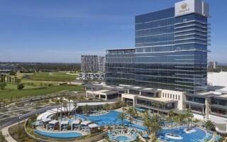 Австралийские курорты Crown Resorts введут обязательную вакцинацию от COVID-19 для всего персонала и гостей